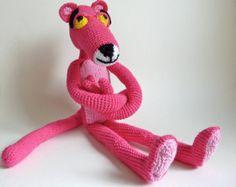Handgemaakt gehaakte Pink Panter. De bekendste knuffel. Speelgoed.