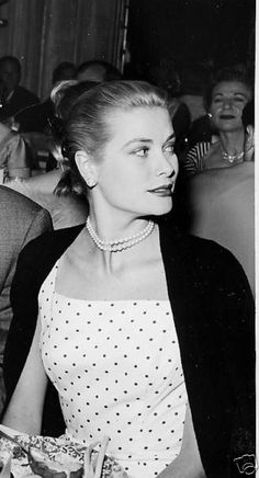 ~Grace Kelly in dots and pearls | The House of Beccaria. Via @houseofbeccaria. #GraceKelly #polkadots