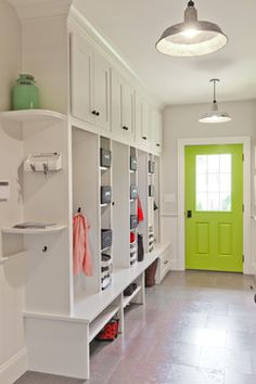 Brilliant Interior Design For Wonderful House : Stylish Entry Decor With Mudroom Green Door Lexington Update Mudroom Cubbies, Mudroom Laundry Room, Bench Mudroom, Decoration Entree, Storage Spaces, Lockers, New Homes, House Design, Home Decor