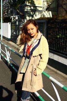コートの上からボレロを着てる。秋らしい色使いが(・∀・)イイネ!!。