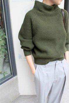 pantalon tailleur et pull en laine femme dans cette jolie couleur verte