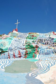 Salvation mountain inspiration nook - i n s p i r a t i o n n o o k Places Around The World, Oh The Places You'll Go, Places To Visit, Around The Worlds, Slab City, Salvation Mountain, World Crafts, California Dreamin', Travel Goals