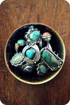 Turquoise rings are so lovely.