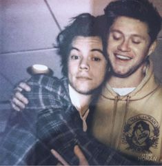 Niall and Harry One Direction Images, One Direction Harry, Niall Und Harry, Bad Boy, Harry Styles Photos, The Jacksons, Family Show, James Horan, Harry Edward Styles