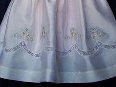 Mano de seda Fruncido Vestido de bautizo/bendición