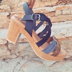 Sandalias de piel, ahora solo 47,90€   Entra a liberitae.com y descubre lo mejor del verano.  #sienteteliberitae #liberitae #look #liberitaeshoes #shoedesign #shoes #salones #pums #piel #zapatos #zapatosdepiel #leather #leathershoes #hechoenespaña #madeinspain #fashion #moda #calzado