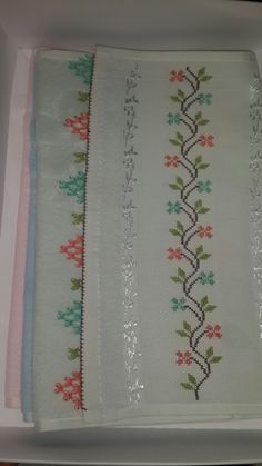 This post was discovered by Ya Cross Stitch Boarders, Cross Stitch Flowers, Cross Stitch Designs, Ribbon Embroidery, Cross Stitch Embroidery, Embroidery Designs, Baby Patterns, Flower Patterns, Sewing Art