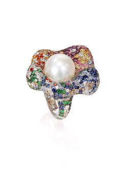 De Grisogono Pearl and Multicoloured Sapphire Ring Gems Jewelry, High Jewelry, Pearl Jewelry, Unique Jewelry, Cartier Jewelry, Titanium Jewelry, Big Rings, Fantasy Jewelry, Schmuck Design