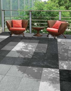 Add sparkle and smooth sophistication to your patio with Bradstone Panache Ground Paving Small Patio Spaces, Outdoor Spaces, Concrete Paving, Patio Slabs, Contemporary Patio, Buy Plants, Garden Paths, Patio Ideas, Garden Ideas