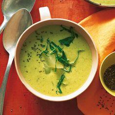 Leckere Rezepte mit Kohlrabi: ob Suppe oder Salat, zum Dippen oder als Beilage, mit seinem nussig-frischen Aroma bereichert Kohlrabi viele Rezepte.