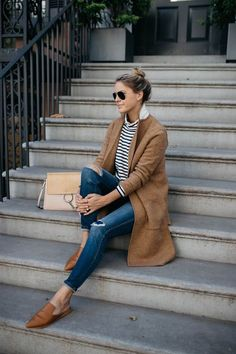 Camel sweater coat chloe handbag camel mules w Mode Outfits, Fall Outfits, Casual Outfits, Fashion Outfits, Fashion Trends, J Crew Outfits, Outfits 2016, Dress Fashion, Looks Street Style