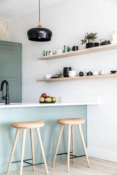 light green kitchen cabinets are rare but if you use them to accent you kitchen's decor then the room is going to look amazing. This article will give you inspiration to create your own Scandinavian kitchen. Green Kitchen Cabinets, Kitchen Decor, Scandinavian Kitchen Cabinets, Zen Kitchen, Nordic Kitchen, Blue Cabinets, Room Kitchen, Country Kitchen, Kitchen Ideas