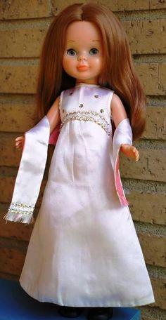 Yo fuí a EGB .Años 60 y 70.Decoracion años 60 y 70,juguetes años 60 y 70,tebeos años 60 y 70,moda años 60 y 70.Articulos vintage. Sweet Memories, My Childhood, Nostalgia, Flower Girl Dresses, Dolls, Wedding Dresses, Inspiration, Vintage, Facebook