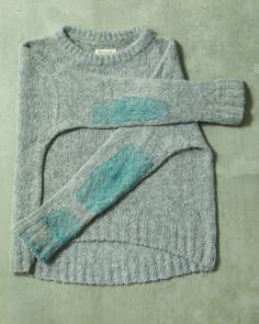 We asked the textile artist Celia Pym to mend a family of TOAST sweaters. Knitwear Fashion, Knit Fashion, Textiles, Sewing Clothes, Diy Clothes, Make Do And Mend, How To Make, Visible Mending, Sewing Studio