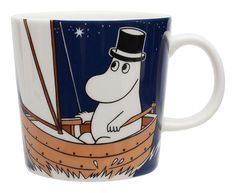 Children and adults alike fall in love with the sympathetic characters of Moomin Valley as created by the author Tove Jansson. The Arabia artist Tove Slotte-Elevant has designed the delightful Moomin objects in keeping with the original drawings. Moomin Shop, Moomin Mugs, Design Shop, Mug Papa, Les Moomins, Tove Jansson, Porcelain Mugs, Norfolk, Deep Blue