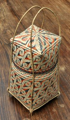 natural dye, bamboo and rattan basket from West Kalimantan