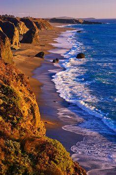 Evening Light on the Sonoma Coast, California. Photo by Paul Gill