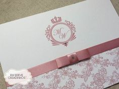 Convite Clássico Rosé Chic, convite de casamento elegante, convite chique Wedding Cards, Wedding Invitations, Beauty And The Best, Wedding Hijab, Diy Gift Box, Ideas Para Fiestas, Wedding Scrapbook, Save The Date, Initials