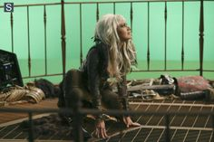 Once Upon a Time in Wonderland - Episode 1.09 - Nothing to Fear - Promotional and BTS Photos  (18)