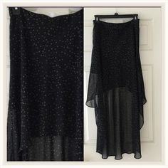 Hi low black skirt with stars. Forever 21 Sz S/P So pretty, black with grey stars. It has short slip lining and side zipper. Forever 21 Skirts High Low