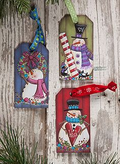 Grooved Tag Ornaments from the book Laurie Speltz's Christmas Trimmings by Laurie Speltz. Book and wood ornaments available at www.ArtistsClub.com