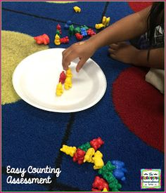 EASY whole group counting activities.  Assessing counting and number recognition at the beginning of the school year.  Kindergarten math!