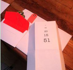 Mit Geburtstagsdaten spielen! Eine Karte als Sehtest gestaltet, ist schlicht und trotzdem besonders.