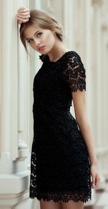 Foto : Bagi pecinta hitam, aksen renda ini juga akan mempermanis penampilan dan membuat Anda lebih chic | Vemale.com, Halaman 3