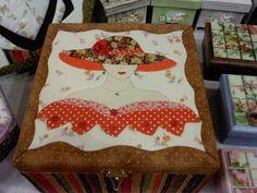 Mosaicos Eliane Amorim: Patchwork embutido - Caixa de maquiagens e caixa de biju