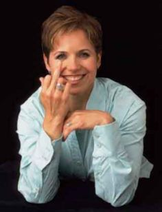 She Looks Like an Over The Hill Call Girl, That's: Katie Couric.I can't stand this over-caffeinated chimp or her ex-partner in crime, Matt Lauer. Divas, Pat Robertson, Matt Lauer, David Schwimmer, Katie Couric, Mickey Rourke, Ozzy Osbourne, Partners In Crime, Chris Hemsworth
