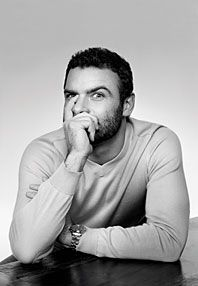 I now have a crush on Liev Schreiber