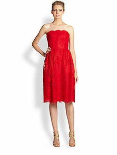 ML Monique Lhuillier Strapless Chantilly Lace Ballerina Dress