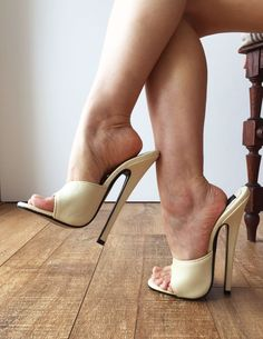 18MULE 18cm Hi Heel Stiletto Fetish Slipper Slides Cream Sexy Mistress | Vêtements, accessoires, Femmes: chaussures, Escarpins | eBay!