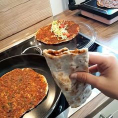 Armenian Recipes, Turkish Recipes, Ethnic Recipes, Lunch Snacks, Iftar, No Cook Meals, Baking Recipes, Brunch, Food And Drink