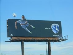 #Soccer #OOH #Billboards #advertising Ad Layout, Billboard Design, Sports Marketing, Football Design, Outdoor Signs, Billboards Advertising, Layout Inspiration, Signage, Soccer