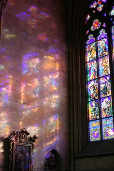 A Moment of utter beauty through stained glass - - A Moment of utter beauty through stained glass Art-chitecture Ein Moment äußerster Schönheit durch Glasmalerei aufgenommen in Pr… Aesthetic Pastel Wallpaper, Aesthetic Backgrounds, Aesthetic Wallpapers, Colorful Wallpaper, Photo Wall Collage, Picture Wall, Images Murales, Stained Glass Church, Stained Glass Windows