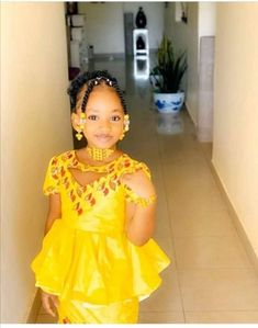 African Attire, African Dress, Latest African Fashion Dresses, Dress Patterns, Kids Fashion, Flower Girl Dresses, Summer Dresses, Clothes, Women