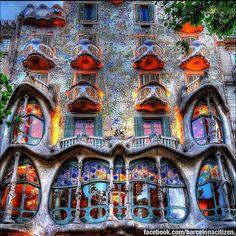 Casa Batlló de: Antoni Gaudí. en Pg. de Gràcia, 43 de Barcelona