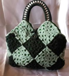 Crocheted Lady's hand bag - by Ashlea's Designs