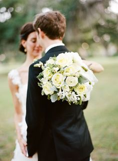 new-orleans-french-quarter-wedding-yellow-rose-bouquet