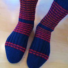 A's ALMANAKK: Lynkurs i sokker... Knitting Socks, Knit Socks
