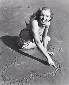 A photograph of Marilyn Monroe by Joseph Jasgur in 1946.