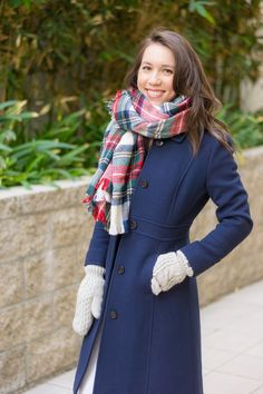 Wardrobe Essentials: J. Crew Lady Day Coat Review | Petite 0 | Petite-friendly fit | Best winter jacket coat | Double-cloth thinsulate | North Face Gloves mittens | plaid Christmas blanket scarf