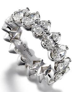 Wedding Band with Round Brilliant Diamonds. De Beers