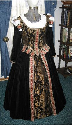 tudor fashion | Late Period Gowns,Tudor, Elizabethan, German Garb I love or want to ...