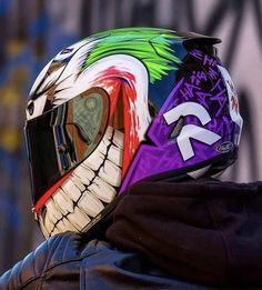 Motorcycle Helmet Design, Biker Helmets, Motorcycle Gear, Yamaha R6, Biker Photography, Helmet Accessories, Cafe Racer Honda, Helmet Paint, Cool Motorcycles