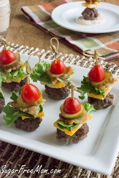 Mini  Bun-less Cheeseburger Bites with Thousand Island Dip! #lowcarb