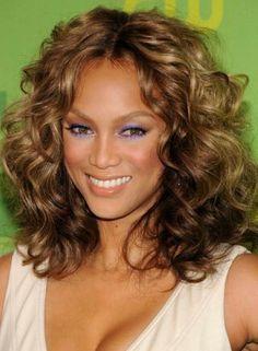 Bridal Hairstyles For Curly Hair - Short Tight Curls Curly Bridal Hair, Simple Bridal Hairstyle, Bridal Hairstyles, Easy Hairstyle, Wedding Hair, Wedding Stuff, Short Hairstyles For Thick Hair, Long Curly Hair, Medium Hair Styles
