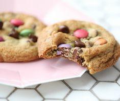 Kjeks med Smarties - Bakelyst Oat Cookies, No Bake Cookies, Cookies Et Biscuits, Yummy Cookies, Smartie Cookies, Smarties Recipes, Nutella, Baking Recipes, Cookie Dough