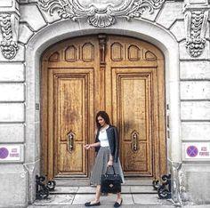 City of L♥️VE – The Tales of Paris – Bebe Shamo Paris Outfits, White Outfits, Classy Style, Outfit Ideas, Black And White, City, Jumpsuit, Bebe, Paris Clothes